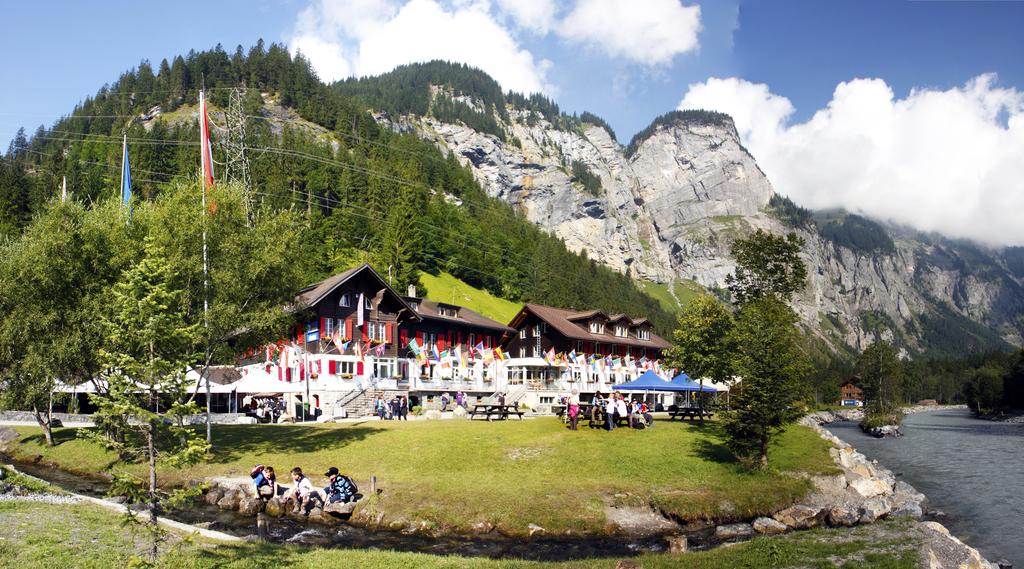 Chalet (Hauptgebäude) und Kander-Lodge,  3718 Kandersteg - 1504