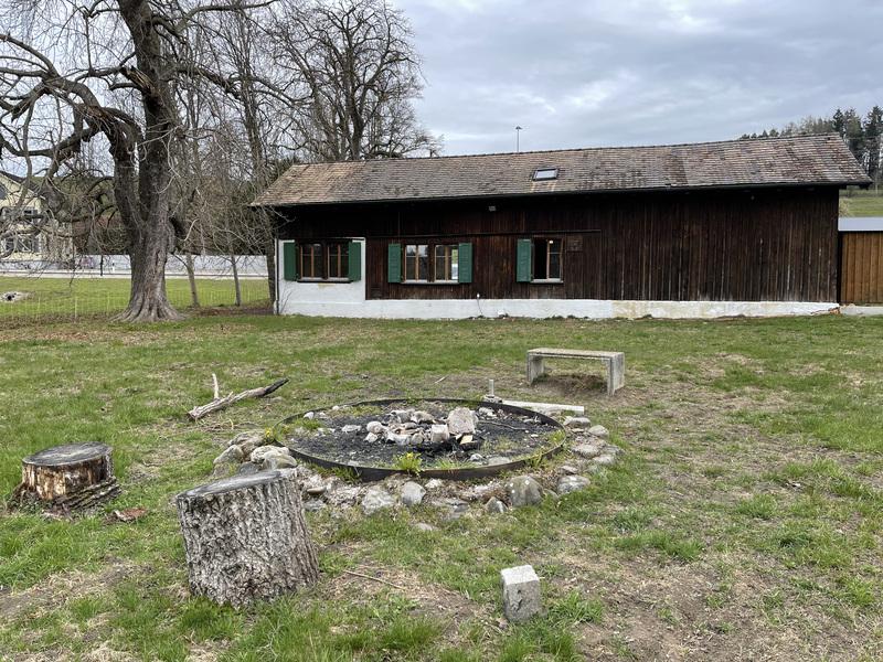 Pfadiheim Allzeit bereit, 9242 Oberuzwil - 9549 - Feuerstelle hinter Heim